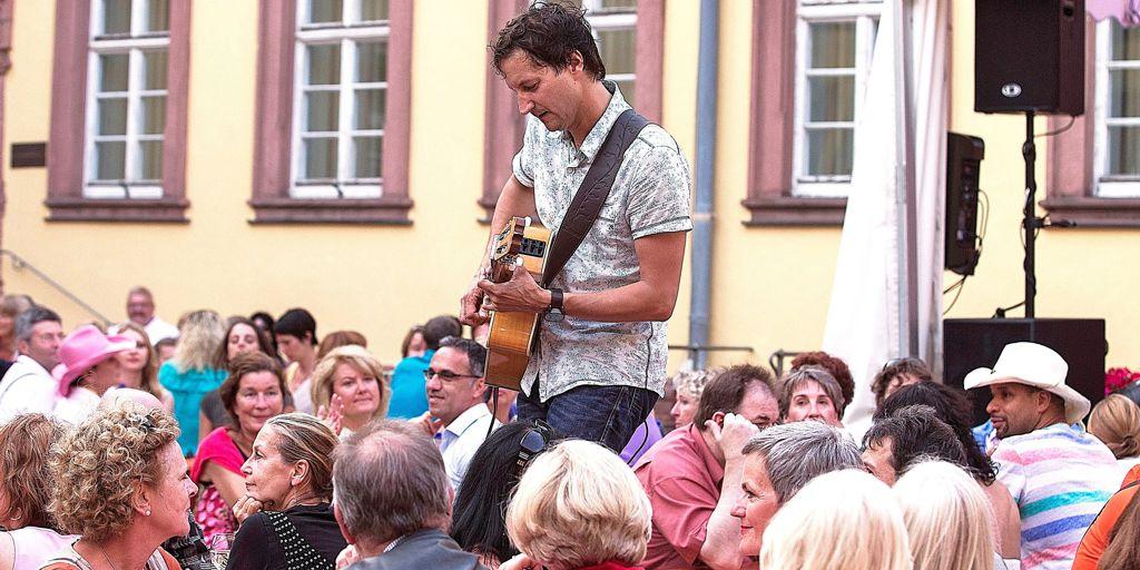 `finest acoustic music´ solo im Glaabsbräu Sommergarten, Seligenstadt